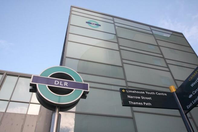 2 min walk to DLR