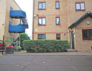 Apartment to rent in Ringwood Gardens...