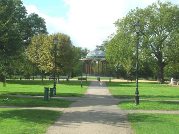 Clapham Common Pa...