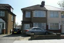 3 bed house to rent in Stanmore, Middlesex...