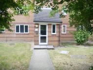 2 bedroom Ground Flat in Bream Close, Tottenham