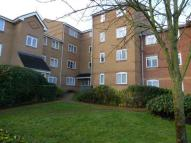 2 bed Flat for sale in Ascot Court, Aldershot...