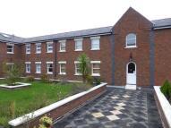 Flat to rent in Birchett Road, Aldershot...