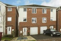 4 bed semi detached house in Regis Park Road, Reading...