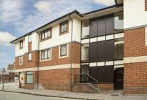 Flat to rent in Granby Court, Reading...