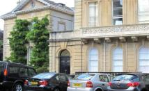 Flat to rent in Victoria Square, Clifton...