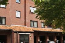 2 bed Flat in Rownham Court, Hotwells...