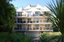2 bed Ground Flat in Canford Cliffs, Poole