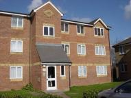 2 bed Flat in Redford Close Feltham