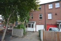 3 bed End of Terrace property to rent in Parkway, Erith