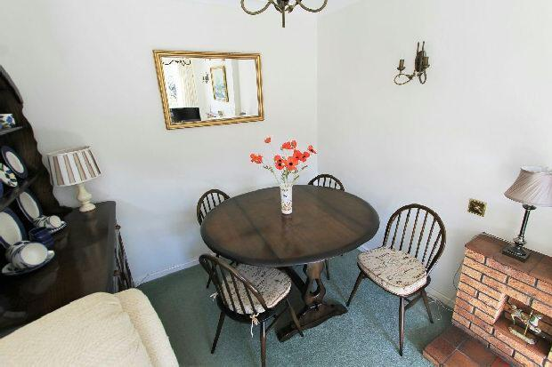 Lounge/Dining Room1