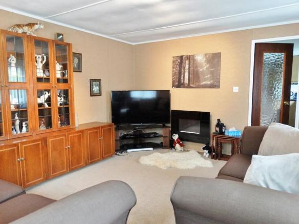 1 Bedroom Mobile Home For Sale In Turners Hill Park West Sussex RH10