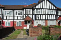 2 bed Ground Flat to rent in Westview Drive...