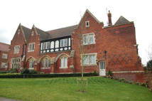 3 bed Apartment in THE GALLERIES, Brentwood...