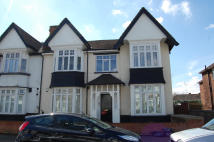 1 bedroom Flat to rent in Grove Hill...
