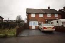 3 bedroom semi detached property to rent in Abbotts Drive...