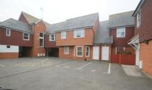 Flat to rent in St Peters, Broadstairs...