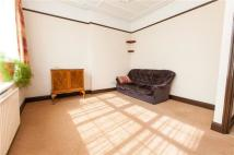 Flat to rent in Grove Park Road, SE9
