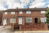 2 bedroom Terraced house in Rainham Close...