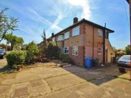 2 bed Flat to rent in Fullwell Avenue...