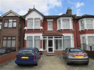 6 bedroom Terraced house to rent in Courtland Avenue, Ilford