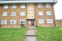 1 bedroom Flat to rent in Knights Way, Hainault