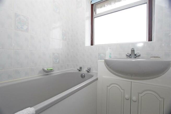 HA Lonsdale Drive Bathroom.jpg