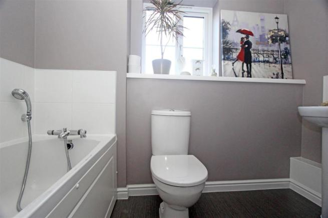 AbelynAveSL - bathroom.jpg