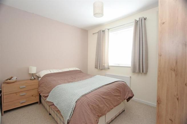 Ed Mulberry Way - Bed2.jpg
