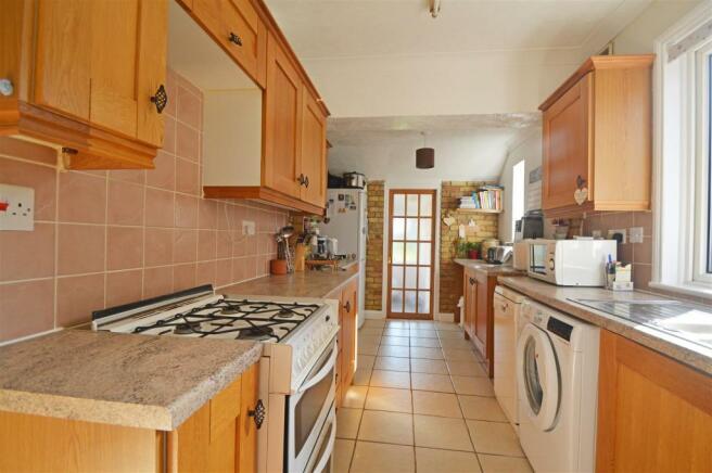 CanterburyRoadbY-kitchen.jpg