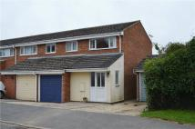 3 bedroom semi detached house in Ross Close...