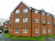 2 bed Apartment in Hawthorn Way, Bordon...