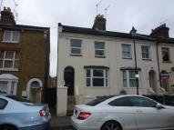 2 bed Maisonette to rent in HENCROFT STREET SOUTH