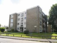 1 bedroom Ground Flat to rent in Woodcote Road...