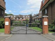 2 bedroom Ground Flat in Beechwood Court...