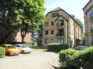 2 bedroom Flat in BLOXWORTH CLOSE...
