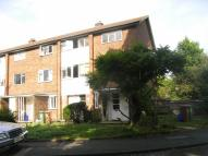 2 bedroom Maisonette in BOND GARDENS, Wallington...