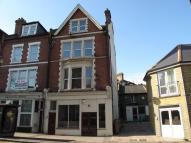 Studio apartment in Manor Road, Wallington...