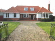 5 bed Bungalow in Park Crescent...