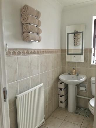bathroomN.JPG