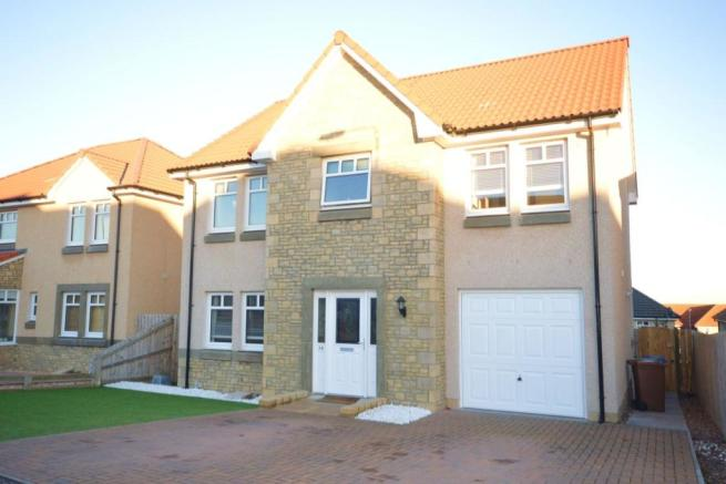 4 bedroom detached house for sale in inchkeith crescent for Living room kirkcaldy
