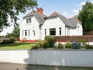 4 bedroom Detached home in Marchmount Road...
