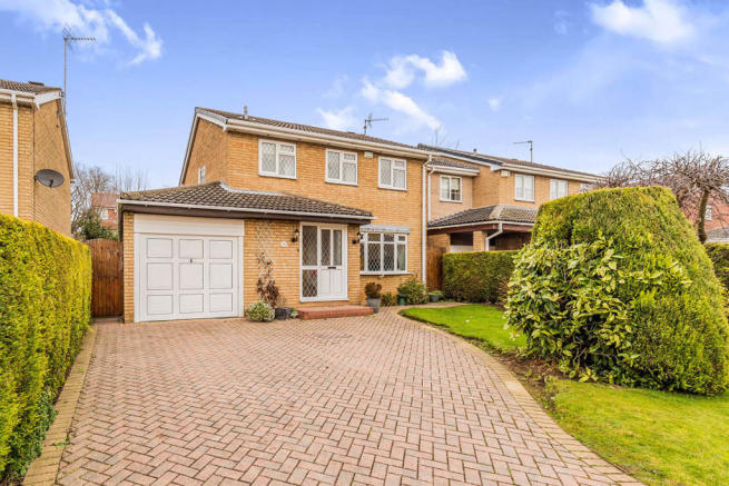3 bedroom detached house for sale in ling moor close
