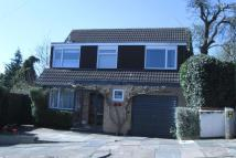4 bed Detached home in Sunnycroft Road...