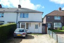 3 bedroom semi detached house in Steene Grove, Northfield...