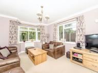 3 bed Detached Bungalow in Grove Road, Hitchin, SG5