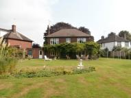 4 bed Detached house in Broadway Gardens...