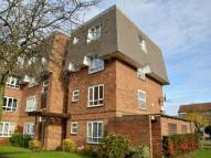 Flat in Stourton Avenue, Feltham...