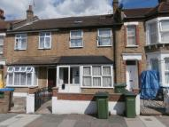 6 bed home in Swallowfield Road...