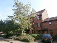 Flat for sale in Turnpike Lane, Sutton...